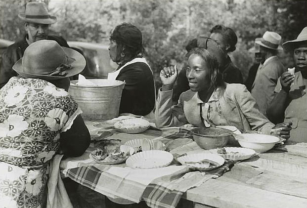 Picnic near Yanceyville, N.C., Photo: Library of Congress